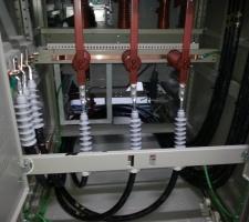 수배전반 22.9kv 특고압 단말 작업 사진입니다.