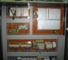 옴론 파트 및 옴론 PLC등 서보 앰프사용한 파넬 사진